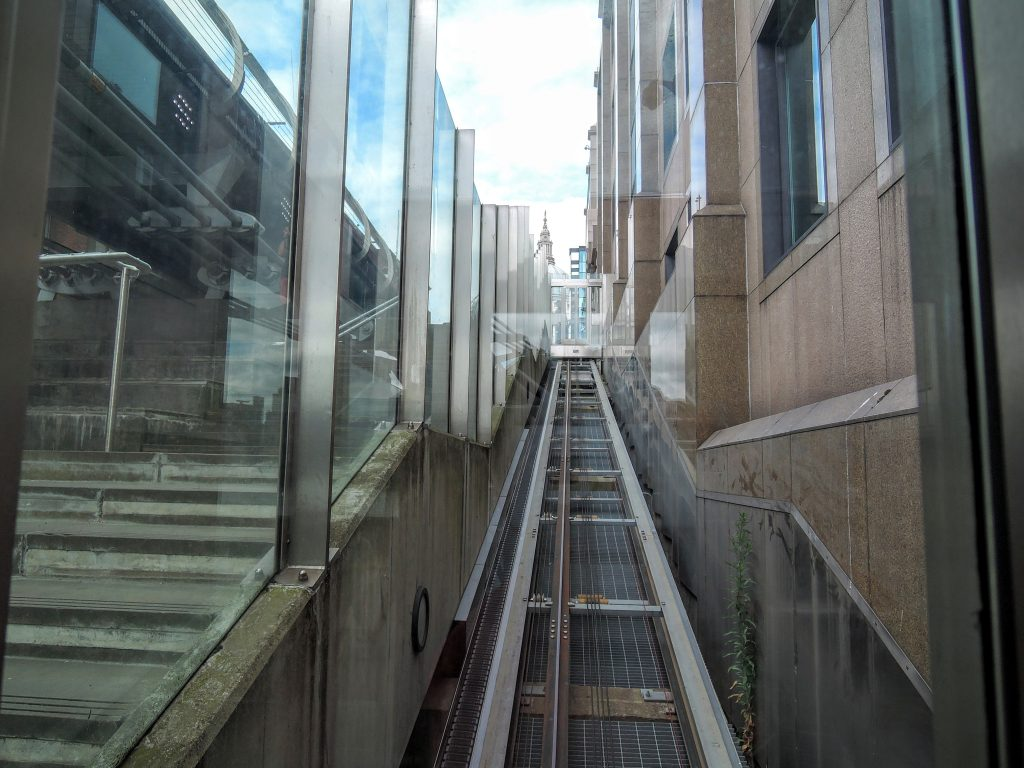 millennium bridge inclined lift